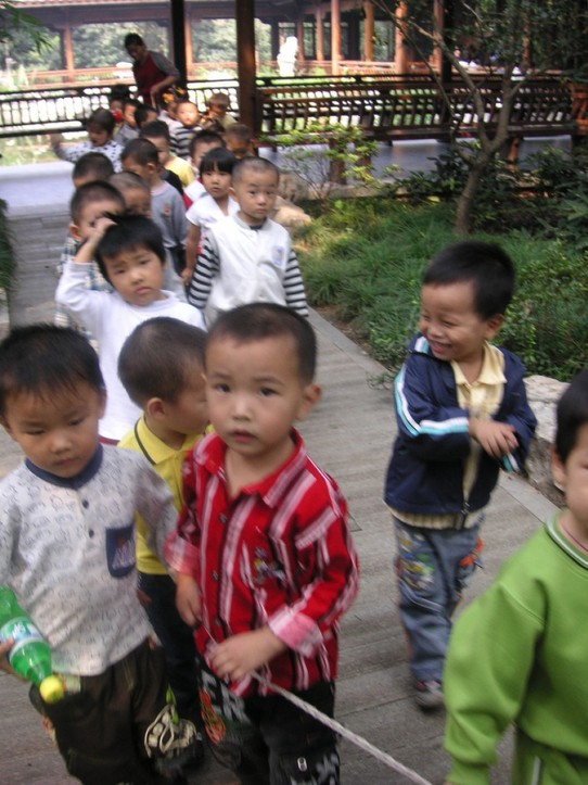 China - Hangzhou - Schulkinder
