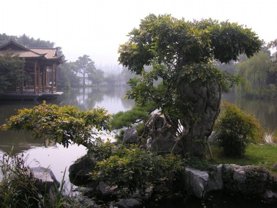 China - Hangzhou - Parklandschaft in voller Harmonie
