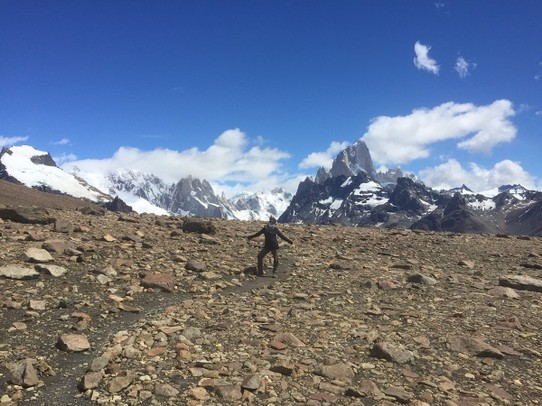 Argentina - El Chaltén - The most challenging day hike turned out to be quite doable and resulted in this pose of Ymke in front of the mountains