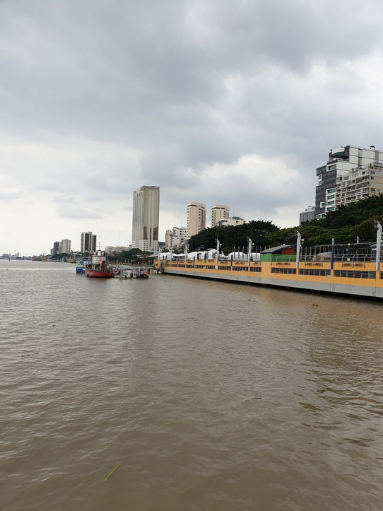 Ecuador - Guayaquil - Guyaquil from the river