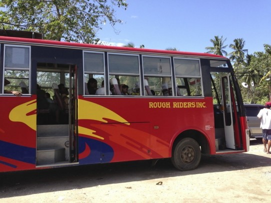 Philippinen - Malapascua Island - Taking the bus from Cebu to Malapascua