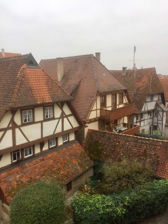 Deutschland - Rothenburg ob der Tauber - ...leaning on...beautiful ;)